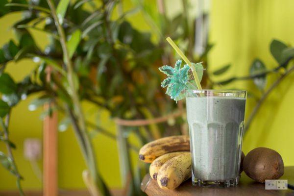 Zielony koktajl proteinowo błonnikowy