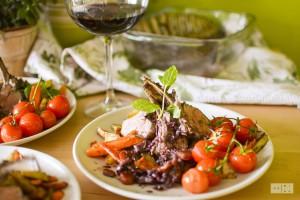 Kotlety jagniece z pieczonymi warzywami