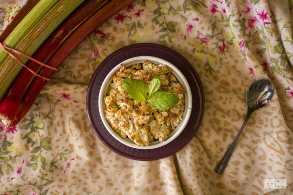 rabarbarowo kokosowe crumble rhubarb crumble