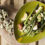 Szparagi z bobem i mozzarellą