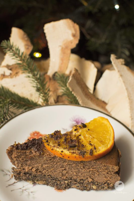 Sernik czekoladowo-pomarańczowy na makowym spodzie