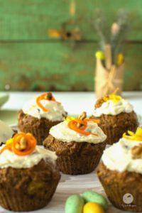 Muffiny marchewkowe z kremem sernikowym