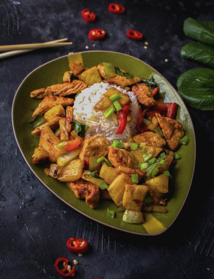 Tajski stir fry z indykiem i ananasem