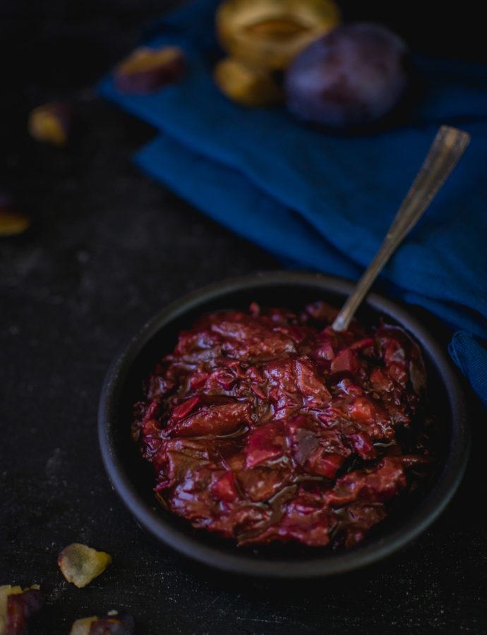 Chutney śliwkowy na czerwonym winie