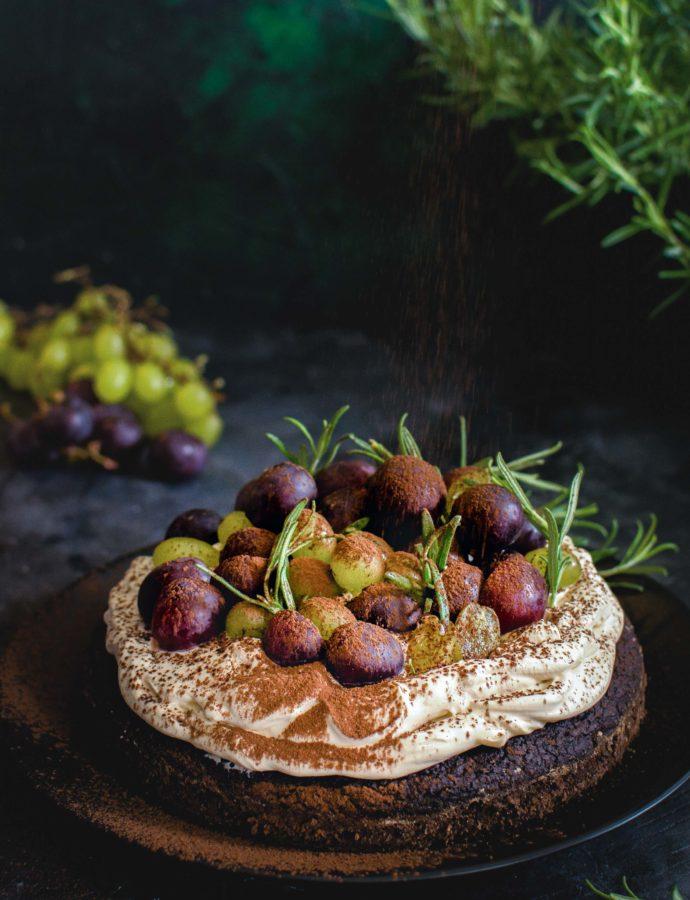 Czekoladowe ciasto ziemniaczane z kremem kawowym