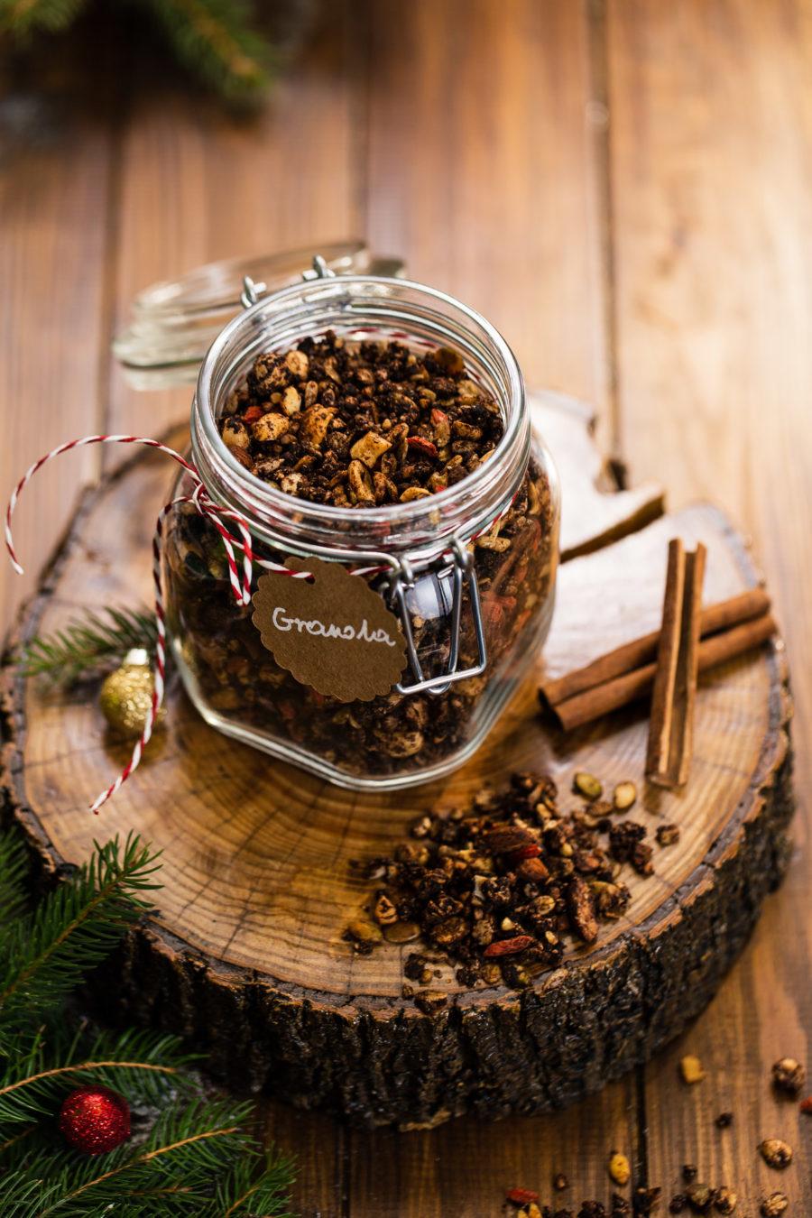 Korzenna granola gryczana – pomysł na jadalny prezent