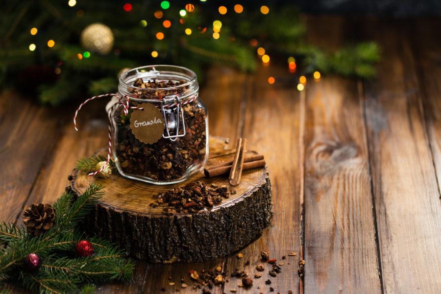 Korzenna granola gryczana - pomysł na jadalny prezent