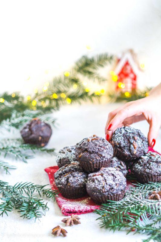 Piernikowe muffinki bananowo - cukiniowe z orzechami