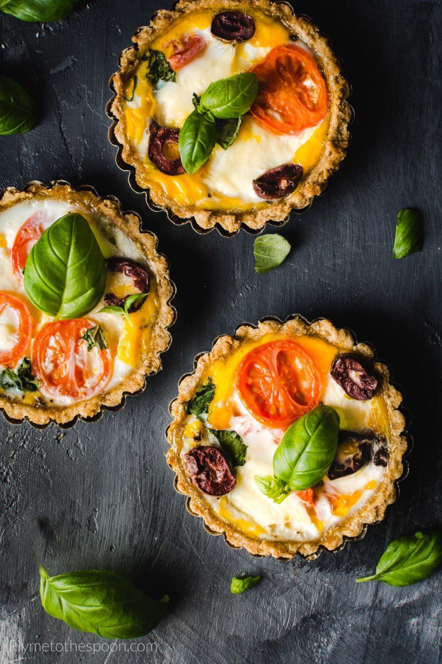 Tartaletki włoskie z mozzarellą i pomidorami – low FODMAP