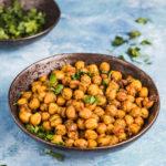 Prażona ciecierzyca po indyjsku - zdrowy zamiennik chipsów
