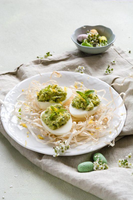 Jajka faszerowane wielkanoc jaja dynia awokado krem pasta