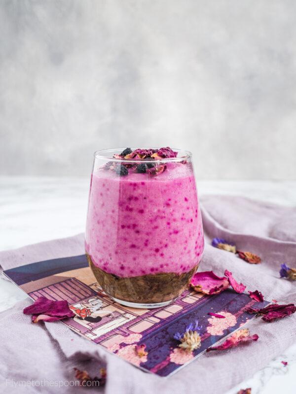 deser jaglany kaszka jaglana deser różany róża rabarbar wegański bezglutenowy mleko migdałowe