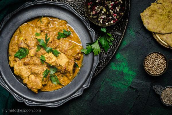 Indyjskie curry z kurczakiem i jogurtem