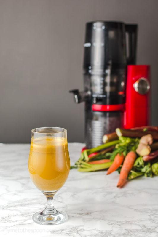 Sok rabarbarowo - marchewkowy Wiosenne soki świeżowyciskane i test wolnoobrotowej wyciskarki Hurom