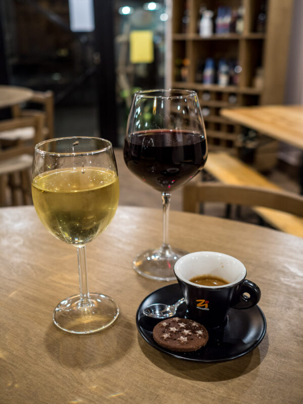 Posmakować Sycylię - czyli przewodnik kulinarny po Palermo Wino bar winny