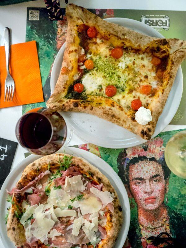 pizza sycylijska pizza włoska pizzeria Frida Palermo przewodnik kulinarny gdzie zjeść na Sycylii