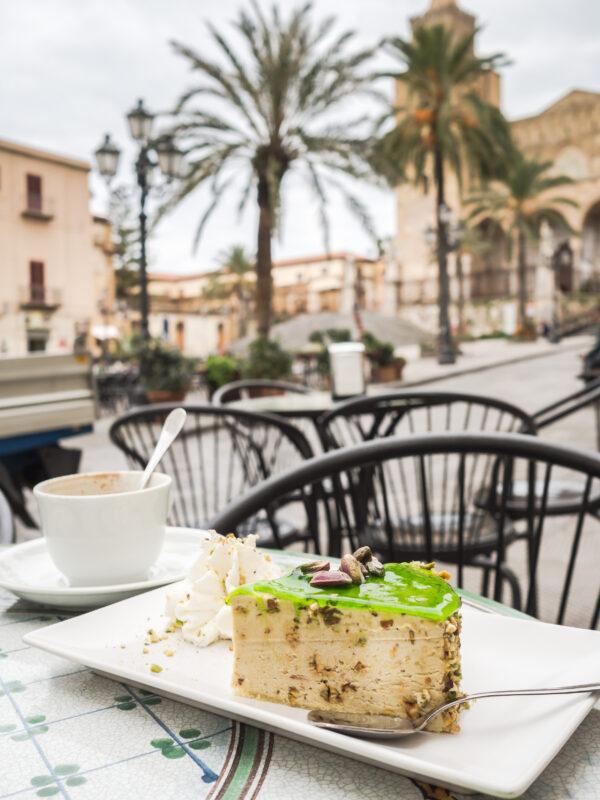 włoskie wypieki desery słodycze Posmakować Sycylię - czyli przewodnik kulinarny po Palermo