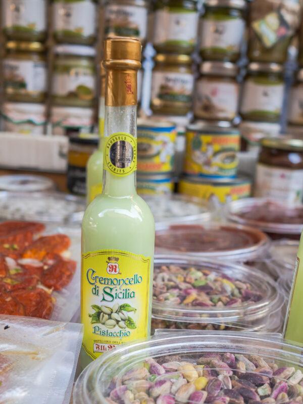 Posmakować Sycylię - czyli przewodnik kulinarny po Palermo targi likier pistacjowy pistacje