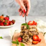 Placuszki migdałowe z truskawkami bez mąki i bez cukru (wegańskie, bezglutenowe, paleo, keto)