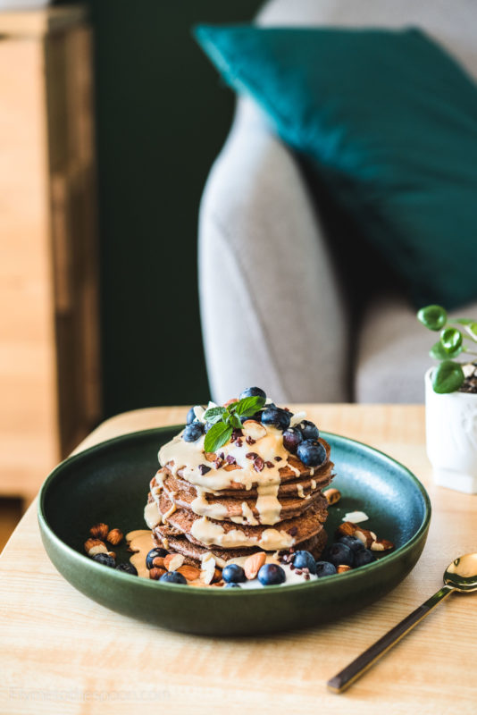 Czekoladowe placuszki jaglane - najprostsze placki z mąki jaglanej