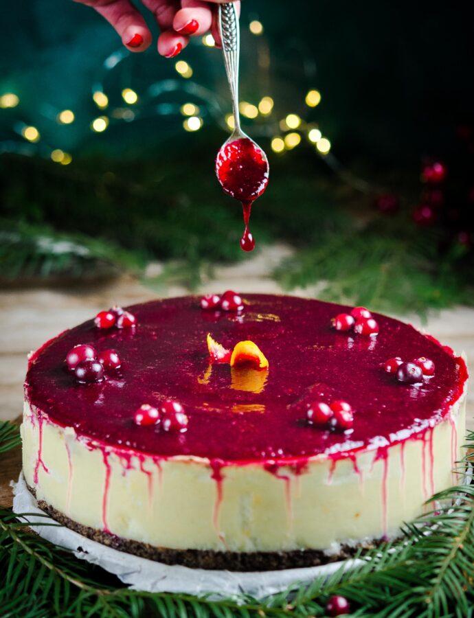 Świąteczny sernik na makowym spodzie z musem żurawinowym i czekoladą
