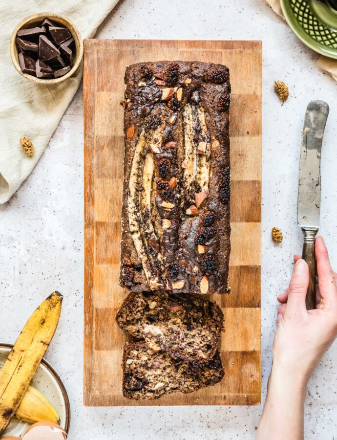 Najprostszy chlebek bananowy z czekoladą i orzechami i pomysły na wykorzystanie przejrzałych bananów
