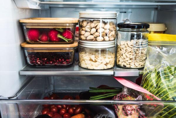 Jak przechowywać żywność, żeby się nie zmarnowała i jak przedłużyć jej świeżość?