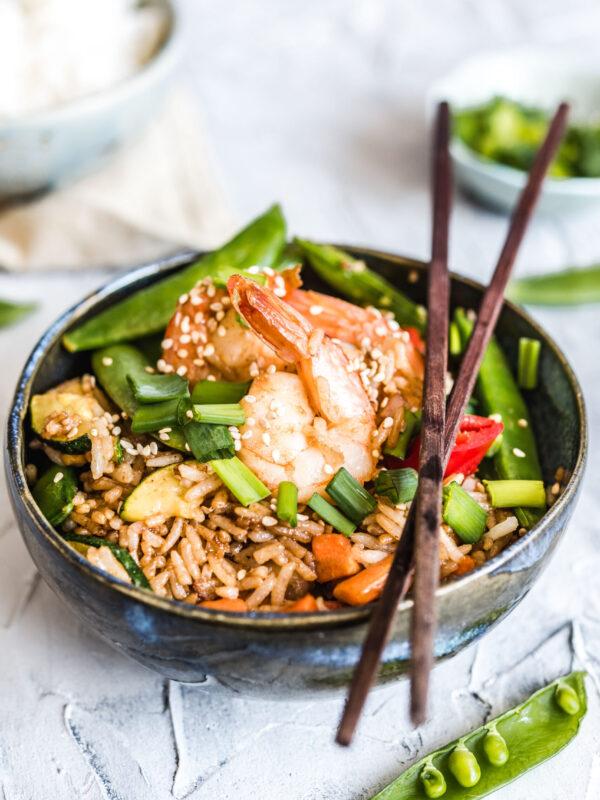 Ryż smażony po tajsku z krewetkami – khao pad