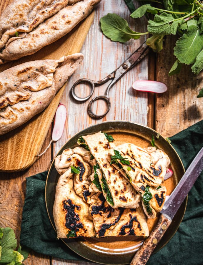 Ormiański chlebek z ziołami – czosnkiem niedźwiedzim i liśćmi rzodkiewki – zhingaliov hac