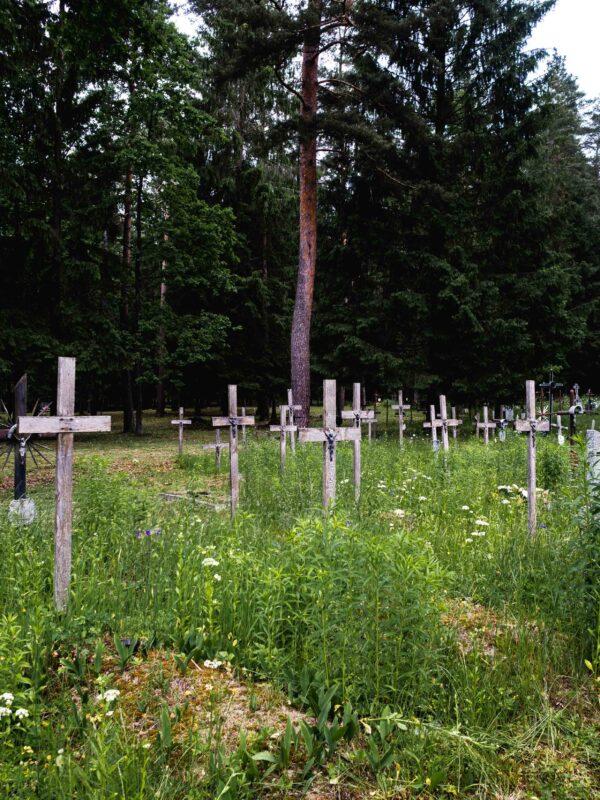 Stary cmentarz w Jałówce
