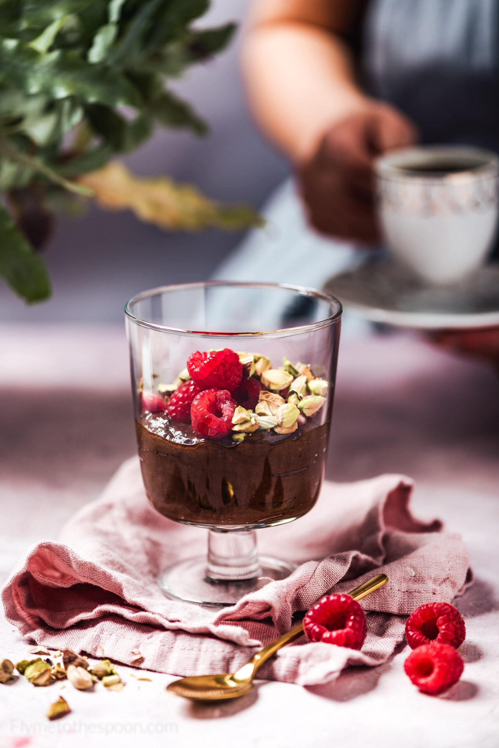 Mus czekoladowy z awokado z kawą